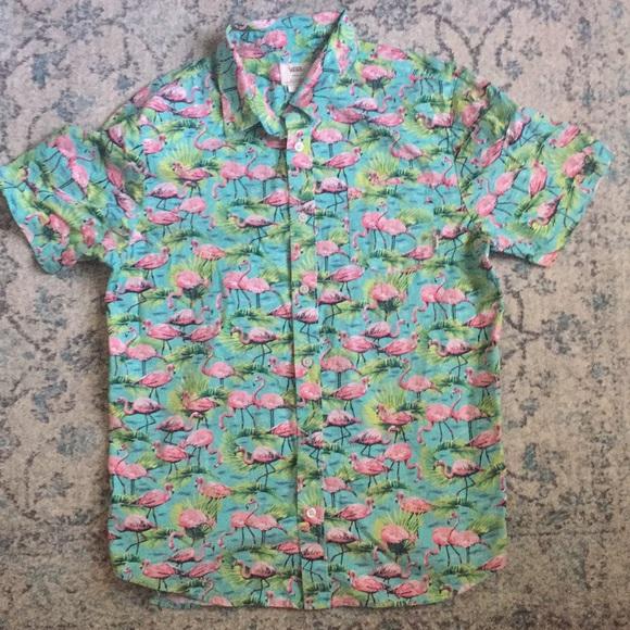 8e228013a7 Vans S flamingo print short sleeved button down. M 5b43ebbd3c98449e84814cfa